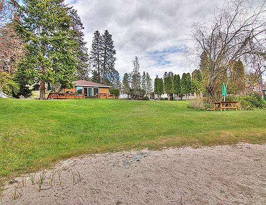 Halls Cottage - 3 Bdrm - OK Falls