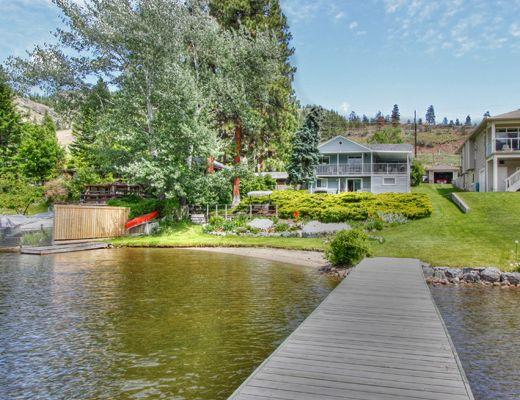 Skaha Lakefront Cottage - 4 Bdrm - OK Falls