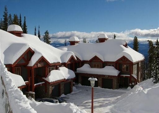 Snowbanks #4 - 5 Bdrm + Loft HT - Big White