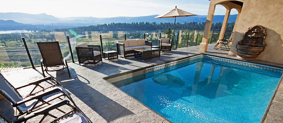 Stunning lakeview 5 bdrm w pool west kelowna for Pool design kelowna