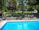 Country Pool Home - 4 Bdrm w/ Pool - West Kelowna